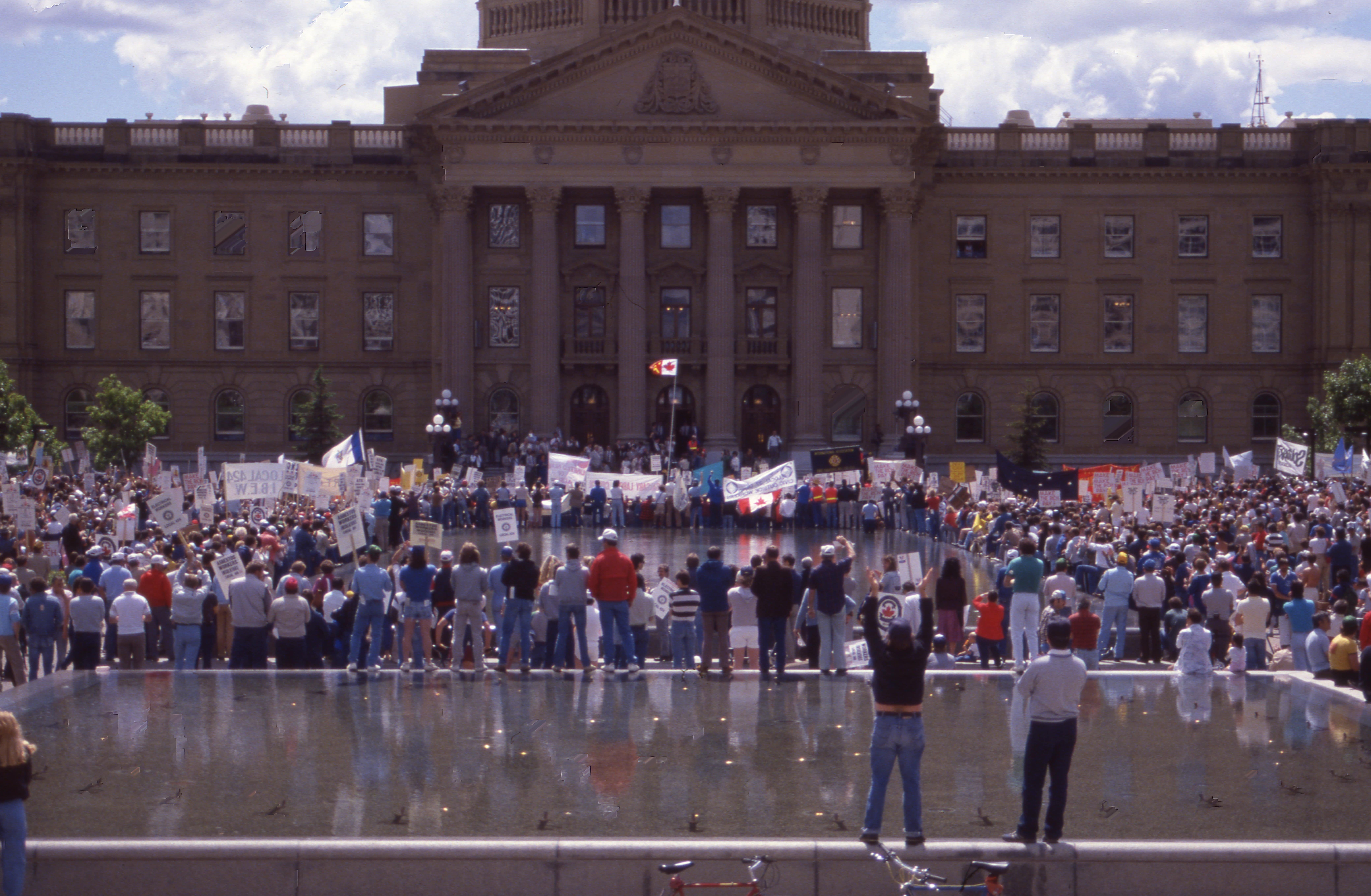 Gainers Strike, March on Legislature June 1986, Mike Tulley 02